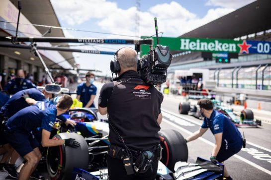 F1 Camera Operator. 30.04.2021. Formula 1 World Championship, Rd 3, Portuguese Grand Prix, Portimao, Portugal, Practice Day. - www.xpbimages.com, EMail: requests@xpbimages.com © Copyright: Bearne / XPB Images