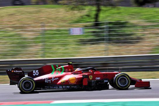 Carlos Sainz Jr (ESP) Ferrari SF-21. 30.04.2021. Formula 1 World Championship, Rd 3, Portuguese Grand Prix, Portimao, Portugal, Practice Day. - www.xpbimages.com, EMail: requests@xpbimages.com © Copyright: Batchelor / XPB Images