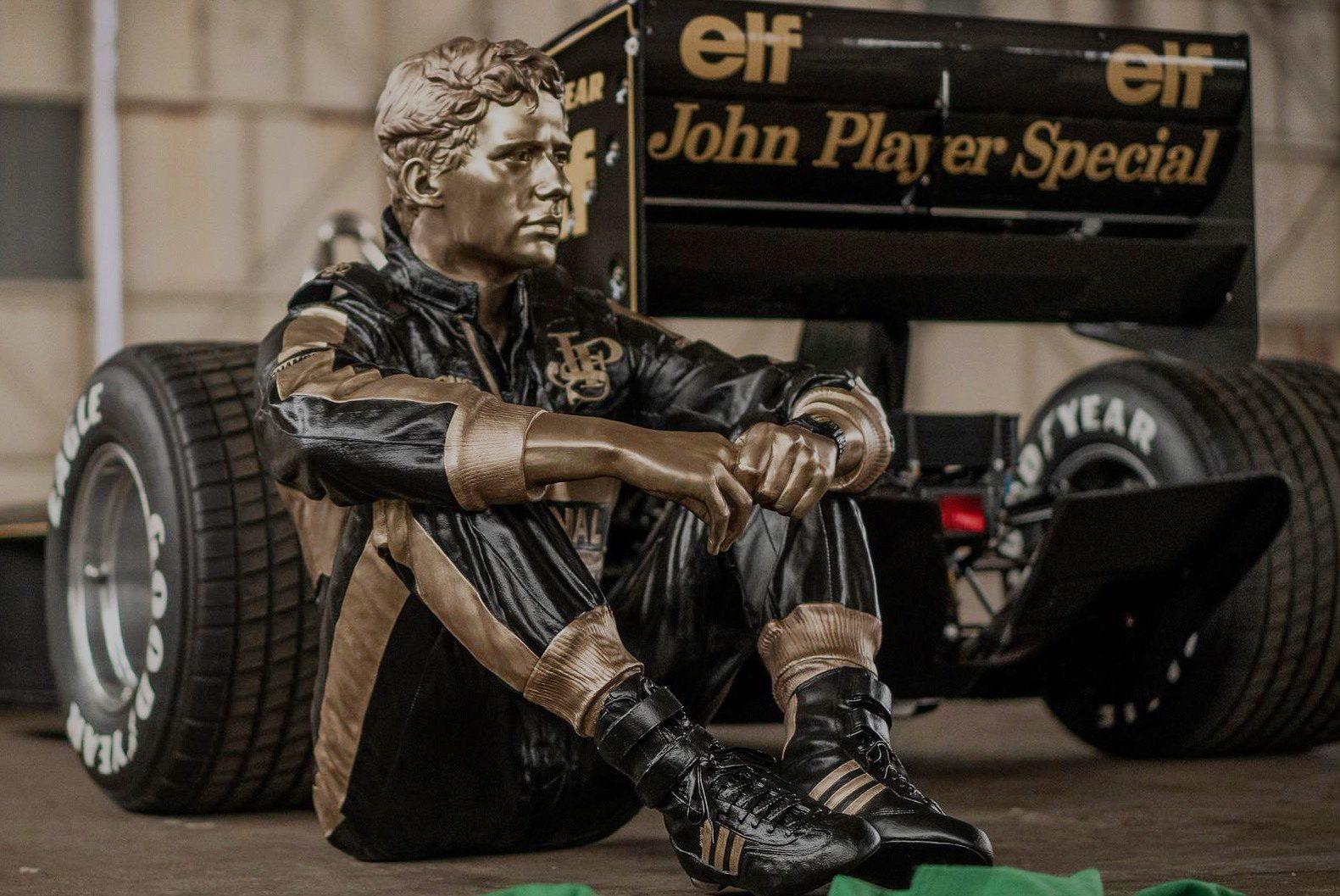 Sculptor Paul Oz unveils stunning new Senna bronze