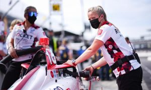 Female first for Paretta Autosport makes Indy 500 history