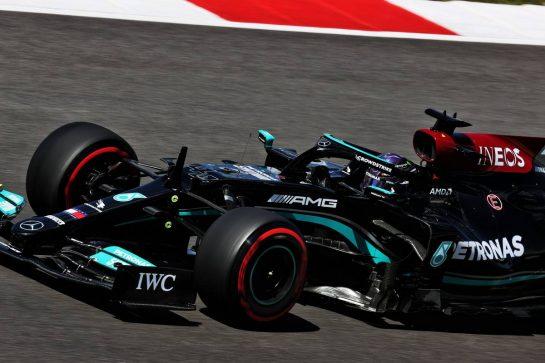 Lewis Hamilton (GBR) Mercedes AMG F1 W12. 01.05.2021. Formula 1 World Championship, Rd 3, Portuguese Grand Prix, Portimao, Portugal, Qualifying Day. - www.xpbimages.com, EMail: requests@xpbimages.com © Copyright: Batchelor / XPB Images