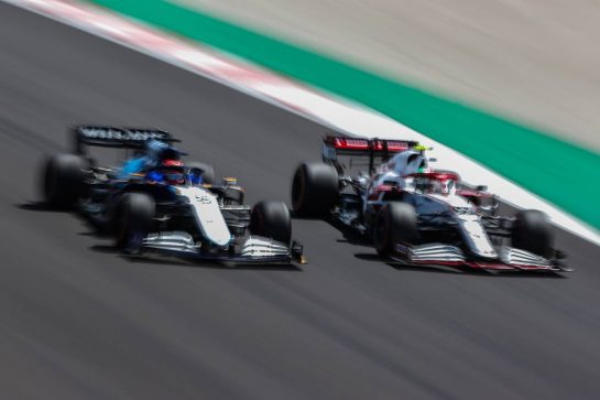 (L to R): George Russell (GBR) Williams Racing FW43B and Antonio Giovinazzi (ITA) Alfa Romeo Racing C41. 01.05.2021. Formula 1 World Championship, Rd 3, Portuguese Grand Prix, Portimao, Portugal, Qualifying Day. - www.xpbimages.com, EMail: requests@xpbimages.com © Copyright: Charniaux / XPB Images