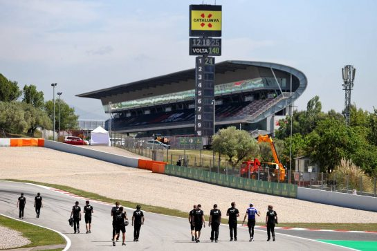 Alpine F1 Team walks the circuit. 06.05.2021. Formula 1 World Championship, Rd 4, Spanish Grand Prix, Barcelona, Spain, Preparation Day. - www.xpbimages.com, EMail: requests@xpbimages.com © Copyright: Moy / XPB Images