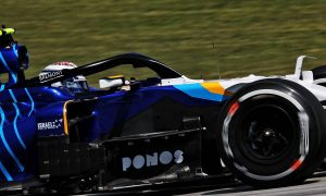 Williams alters FW43B bargeboards to reduce wind issues