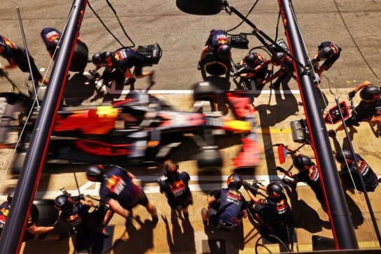 Red Bull Racing practices a pit stop. 08.05.2021. Formula 1 World Championship, Rd 4, Spanish Grand Prix, Barcelona, Spain, Qualifying Day. - www.xpbimages.com, EMail: requests@xpbimages.com © Copyright: Moy / XPB Images