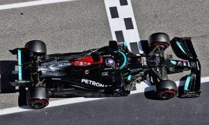 Hamilton hits historic 100th pole ahead of Verstappen