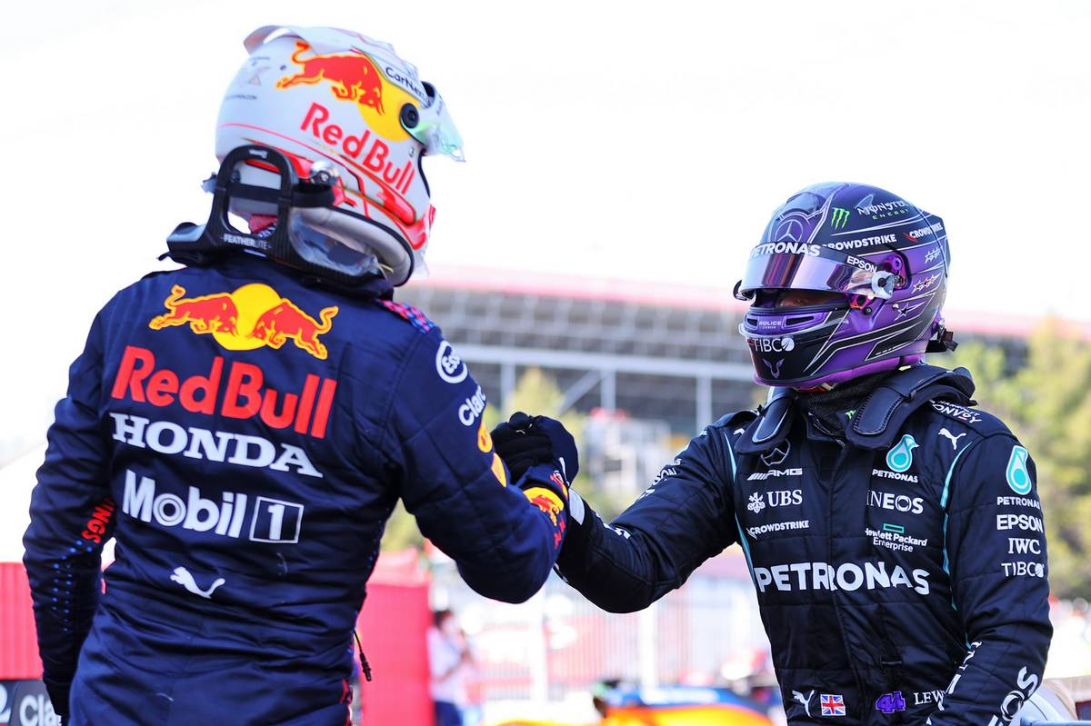 Lewis Hamilton (GBR) Mercedes AMG F1 celebrates his 100th pole position in qualifying parc ferme with second placed Max Verstappen (NLD) Red Bull Racing. 08.05.2021. Formula 1 World Championship, Rd 4, Spanish Grand Prix, Barcelona