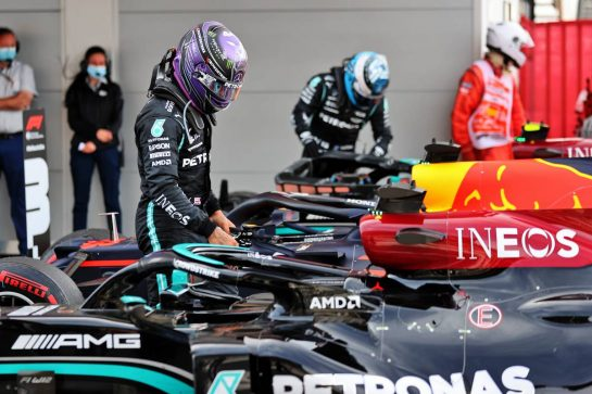 Race winner Lewis Hamilton (GBR) Mercedes AMG F1 W12 in parc ferme. 09.05.2021. Formula 1 World Championship, Rd 4, Spanish Grand Prix, Barcelona, Spain, Race Day. - www.xpbimages.com, EMail: requests@xpbimages.com © Copyright: Batchelor / XPB Images