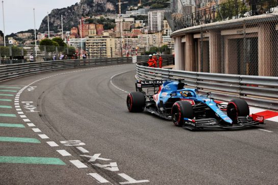 Fernando Alonso (ESP) Alpine F1 Team A521. 22.05.2021. Formula 1 World Championship, Rd 5, Monaco Grand Prix, Monte Carlo, Monaco, Qualifying Day. - www.xpbimages.com, EMail: requests@xpbimages.com © Copyright: Batchelor / XPB Images
