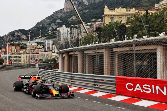 Max Verstappen (NLD) Red Bull Racing RB16B. 22.05.2021. Formula 1 World Championship, Rd 5, Monaco Grand Prix, Monte Carlo, Monaco, Qualifying Day. - www.xpbimages.com, EMail: requests@xpbimages.com © Copyright: Batchelor / XPB Images