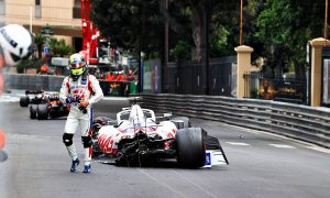 Schumacher ruled out of qualifying after FP3 crash