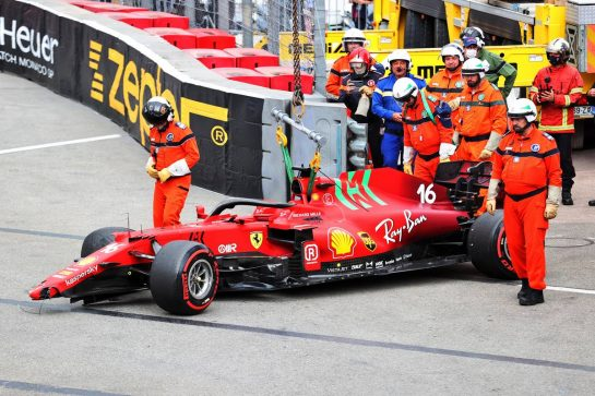 The damaged Ferrari SF-21 of pole sitter Charles Leclerc (MON) Ferrari, who crashed out at the end of qualifying. 22.05.2021. Formula 1 World Championship, Rd 5, Monaco Grand Prix, Monte Carlo, Monaco, Qualifying Day. - www.xpbimages.com, EMail: requests@xpbimages.com © Copyright: Charniaux / XPB Images