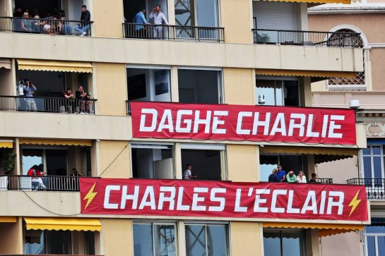 Circuit atmosphere - banners for Charles Leclerc (MON) Ferrari in the apartment balconies. 22.05.2021. Formula 1 World Championship, Rd 5, Monaco Grand Prix, Monte Carlo, Monaco, Qualifying Day. - www.xpbimages.com, EMail: requests@xpbimages.com © Copyright: Batchelor / XPB Images