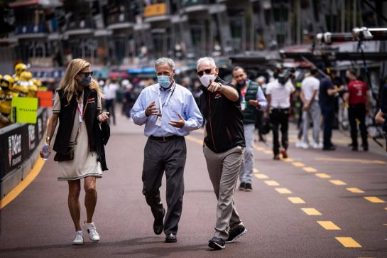 Chase Carey (USA) with Greg Maffei (USA) Liberty Media Corporation President and Chief Executive Officer. 22.05.2021. Formula 1 World Championship, Rd 5, Monaco Grand Prix, Monte Carlo, Monaco, Qualifying Day. - www.xpbimages.com, EMail: requests@xpbimages.com © Copyright: Bearne / XPB Images
