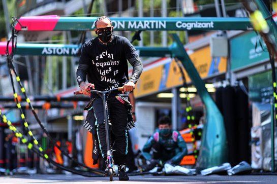 Lewis Hamilton (GBR) Mercedes AMG F1. 23.05.2021. Formula 1 World Championship, Rd 5, Monaco Grand Prix, Monte Carlo, Monaco, Race Day. - www.xpbimages.com, EMail: requests@xpbimages.com © Copyright: Charniaux / XPB Images