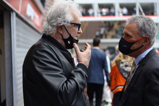 (L to R): Flavio Briatore (ITA) with Chase Carey (USA). 23.05.2021. Formula 1 World Championship, Rd 5, Monaco Grand Prix, Monte Carlo, Monaco, Race Day. - www.xpbimages.com, EMail: requests@xpbimages.com © Copyright: Bearne / XPB Images