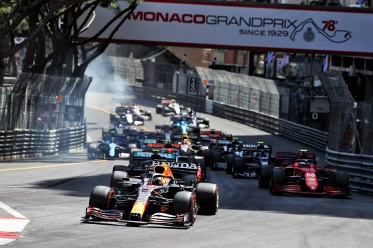 Max Verstappen (NLD) Red Bull Racing RB16B leads at the start of the race. 23.05.2021. Formula 1 World Championship, Rd 5, Monaco Grand Prix, Monte Carlo, Monaco, Race Day. - www.xpbimages.com, EMail: requests@xpbimages.com © Copyright: Moy / XPB Images