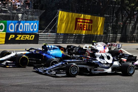 Yuki Tsunoda (JPN) AlphaTauri AT02 and Nicholas Latifi (CDN) Williams Racing FW43B at the start of the race. 23.05.2021. Formula 1 World Championship, Rd 5, Monaco Grand Prix, Monte Carlo, Monaco, Race Day. - www.xpbimages.com, EMail: requests@xpbimages.com © Copyright: Moy / XPB Images