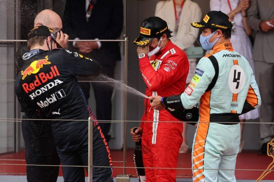 Adrian Newey (GBR) Red Bull Racing Chief Technical Officer with 2nd place Carlos Sainz Jr (ESP) Ferrari, 1st place Max Verstappen (NLD) Red Bull Racing RB16B and 3rd place Lando Norris (GBR) McLaren.23.05.2021. Formula 1 World Championship, Rd 5, Monaco Grand Prix, Monte Carlo, Monaco, Race Day.- www.xpbimages.com, EMail: requests@xpbimages.com © Copyright: Batchelor / XPB Images