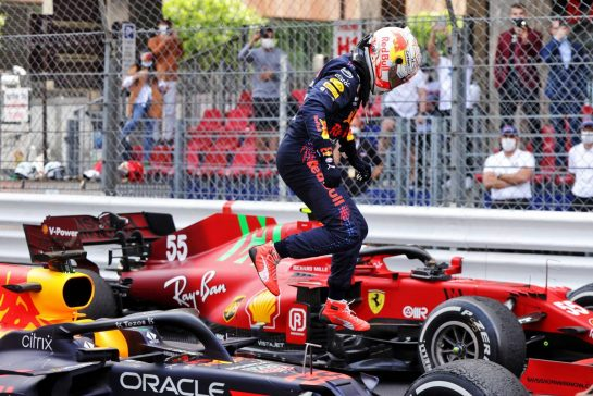 Race winner Max Verstappen (NLD) Red Bull Racing RB16B celebrates in parc ferme. 23.05.2021. Formula 1 World Championship, Rd 5, Monaco Grand Prix, Monte Carlo, Monaco, Race Day. - www.xpbimages.com, EMail: requests@xpbimages.com © Copyright: Bearne / XPB Images