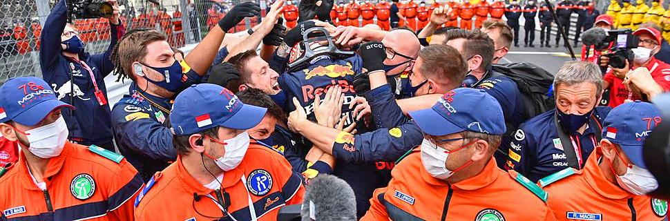 Race winner Max Verstappen (NLD) Red Bull Racing celebrates with the team in parc ferme. 23.05.2021. Formula 1 World Championship, Rd 5, Monaco Grand Prix, Monte Carlo