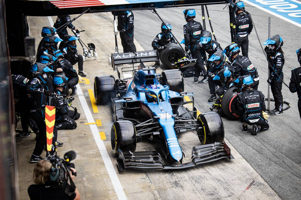 Alonso reckons Alpine one-stop strategy was 'very optimistic'