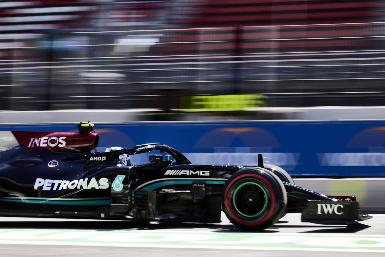 Mercedes put a £324m price on its 2020 world championship