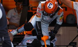 'I'm not that slow', insists confused Ricciardo