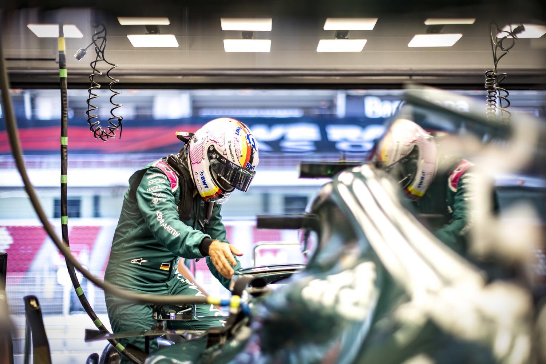 Johansson offers reason behind Vettel's enduring struggles
