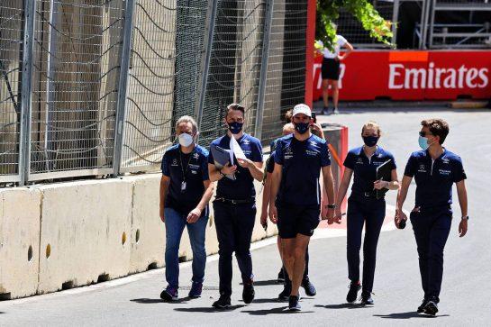 Nicholas Latifi (CDN) Williams Racing walks the circuit with the team. 03.06.2021. Formula 1 World Championship, Rd 6, Azerbaijan Grand Prix, Baku Street Circuit, Azerbaijan, Preparation Day. - www.xpbimages.com, EMail: requests@xpbimages.com © Copyright: Moy / XPB Images
