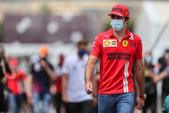 Carlos Sainz Jr (ESP) Ferrari. 04.06.2021. Formula 1 World Championship, Rd 6, Azerbaijan Grand Prix, Baku Street Circuit, Azerbaijan, Practice Day. - www.xpbimages.com, EMail: requests@xpbimages.com © Copyright: Charniaux / XPB Images
