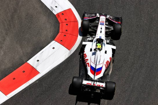 Mick Schumacher (GER) Haas VF-21. 04.06.2021. Formula 1 World Championship, Rd 6, Azerbaijan Grand Prix, Baku Street Circuit, Azerbaijan, Practice Day. - www.xpbimages.com, EMail: requests@xpbimages.com © Copyright: Moy / XPB Images