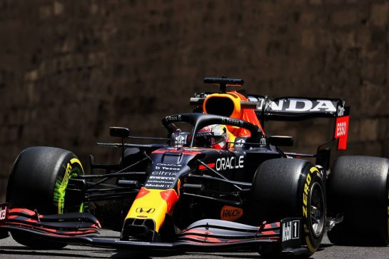 Max Verstappen (NLD) Red Bull Racing RB16B. 04.06.2021. Formula 1 World Championship, Rd 6, Azerbaijan Grand Prix, Baku Street Circuit, Azerbaijan, Practice Day. - www.xpbimages.com, EMail: requests@xpbimages.com © Copyright: Batchelor / XPB Images