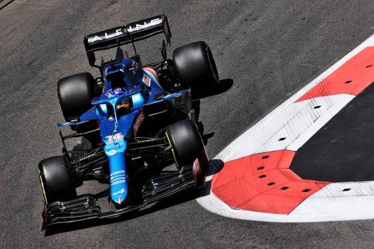 Fernando Alonso (ESP) Alpine F1 Team A521. 05.06.2021. Formula 1 World Championship, Rd 6, Azerbaijan Grand Prix, Baku Street Circuit, Azerbaijan, Qualifying Day. - www.xpbimages.com, EMail: requests@xpbimages.com © Copyright: Batchelor / XPB Images