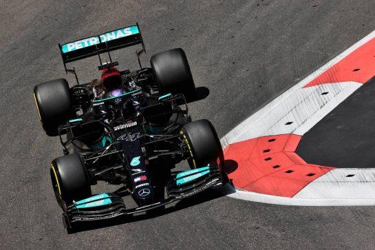 Lewis Hamilton (GBR) Mercedes AMG F1 W12. 05.06.2021. Formula 1 World Championship, Rd 6, Azerbaijan Grand Prix, Baku Street Circuit, Azerbaijan, Qualifying Day. - www.xpbimages.com, EMail: requests@xpbimages.com © Copyright: Batchelor / XPB Images