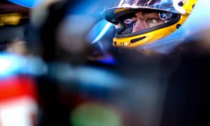 Alonso says rivals made to look better by street circuits
