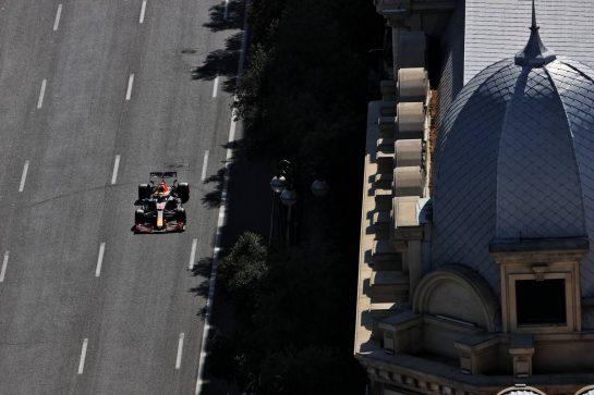 Max Verstappen (NLD) Red Bull Racing RB16B. 05.06.2021. Formula 1 World Championship, Rd 6, Azerbaijan Grand Prix, Baku Street Circuit, Azerbaijan, Qualifying Day. - www.xpbimages.com, EMail: requests@xpbimages.com © Copyright: Batchelor / XPB Images