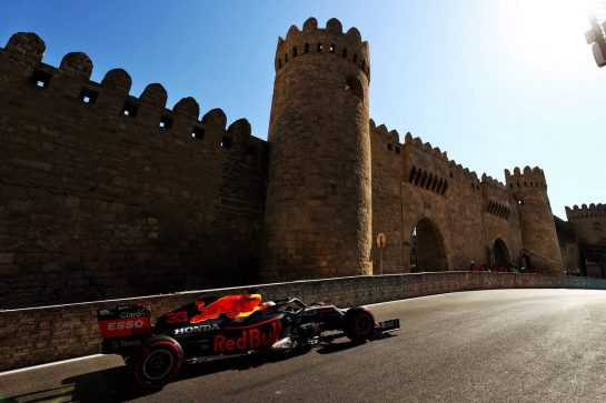 Max Verstappen (NLD) Red Bull Racing RB16B. 05.06.2021. Formula 1 World Championship, Rd 6, Azerbaijan Grand Prix, Baku Street Circuit, Azerbaijan, Qualifying Day. - www.xpbimages.com, EMail: requests@xpbimages.com © Copyright: Moy / XPB Images