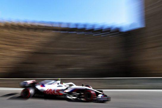 Mick Schumacher (GER) Haas VF-21. 05.06.2021. Formula 1 World Championship, Rd 6, Azerbaijan Grand Prix, Baku Street Circuit, Azerbaijan, Qualifying Day. - www.xpbimages.com, EMail: requests@xpbimages.com © Copyright: Moy / XPB Images
