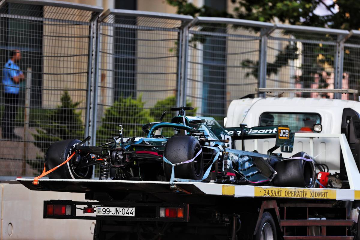 The Aston Martin F1 Team AMR21 of Lance Stroll (CDN) Aston Martin F1 Team is recovered back to the pits on the back of a truck after he crashed out of the race. 06.06.2021. Formula 1 World Championship, Rd 6, Azerbaijan Grand Prix, Baku
