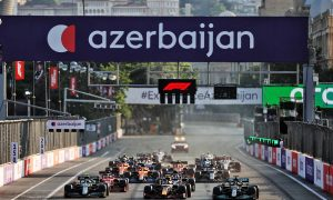 Sebastian Vettel (GER) Aston Martin F1 Team AMR21; Sergio Perez (MEX) Red Bull Racing RB16B; and Lewis Hamilton (GBR) Mercedes AMG F1 W12 at the restart of the race. 06.06.2021. Formula 1 World Championship, Rd 6, Azerbaijan Grand Prix, Baku