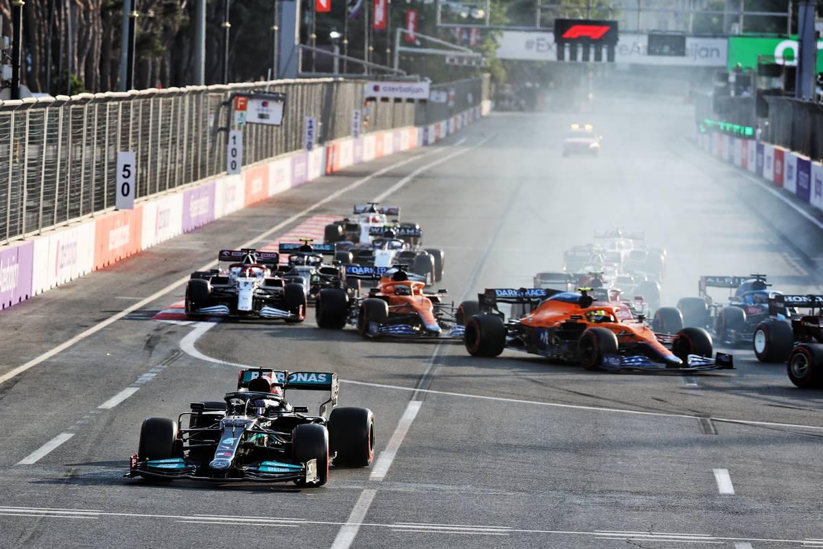 Lewis Hamilton (GBR) Mercedes AMG F1 W12 locks up under braking and runs wide at the restart of the race. 06.06.2021. Formula 1 World Championship, Rd 6, Azerbaijan Grand Prix, Baku
