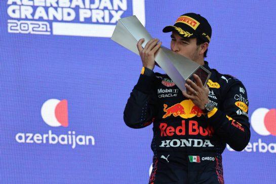 1st place Sergio Perez (MEX) Red Bull Racing.06.06.2021. Formula 1 World Championship, Rd 6, Azerbaijan Grand Prix, Baku Street Circuit, Azerbaijan, Race Day.- www.xpbimages.com, EMail: requests@xpbimages.com © Copyright: Batchelor / XPB Images