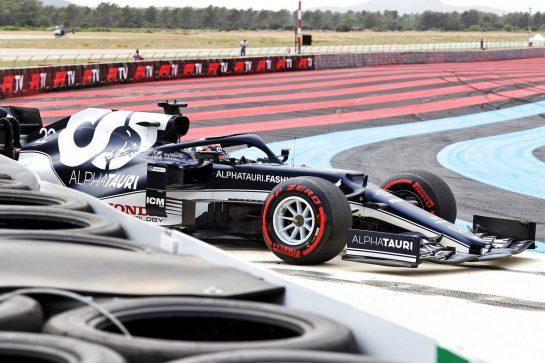 Yuki Tsunoda (JPN) AlphaTauri AT02 crashed out of qualifying. 19.06.2021. Formula 1 World Championship, Rd 7, French Grand Prix, Paul Ricard, France, Qualifying Day. - www.xpbimages.com, EMail: requests@xpbimages.com © Copyright: Charniaux / XPB Images