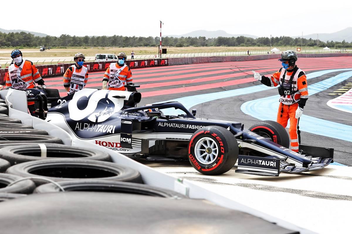 Yuki Tsunoda (JPN) AlphaTauri AT02 crashed out of qualifying. 19.06.2021. Formula 1 World Championship, Rd 7, French Grand Prix, Paul Ricard
