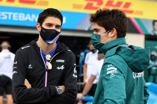 (L to R): Esteban Ocon (FRA) Alpine F1 Team with Lance Stroll (CDN) Aston Martin F1 Team on the drivers parade. 20.06.2021. Formula 1 World Championship, Rd 7, French Grand Prix, Paul Ricard, France, Race Day. - www.xpbimages.com, EMail: requests@xpbimages.com © Copyright: Moy / XPB Images