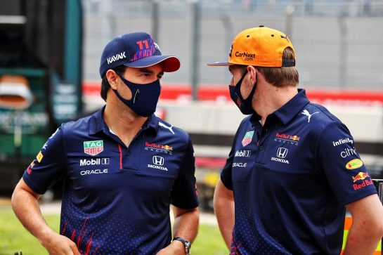 (L to R): Sergio Perez (MEX) Red Bull Racing with Max Verstappen (NLD) Red Bull Racing on the drivers parade. 20.06.2021. Formula 1 World Championship, Rd 7, French Grand Prix, Paul Ricard, France, Race Day. - www.xpbimages.com, EMail: requests@xpbimages.com © Copyright: Moy / XPB Images