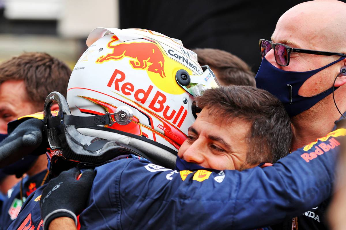 Race winner Max Verstappen (NLD) Red Bull Racing celebrates with the team in parc ferme. 20.06.2021. Formula 1 World Championship, Rd 7, French Grand Prix, Paul Ricard