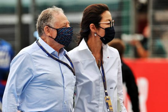 Jean Todt (FRA) FIA President with Michelle Yeoh (MAL) on the grid. 20.06.2021. Formula 1 World Championship, Rd 7, French Grand Prix, Paul Ricard, France, Race Day. - www.xpbimages.com, EMail: requests@xpbimages.com © Copyright: Batchelor / XPB Images