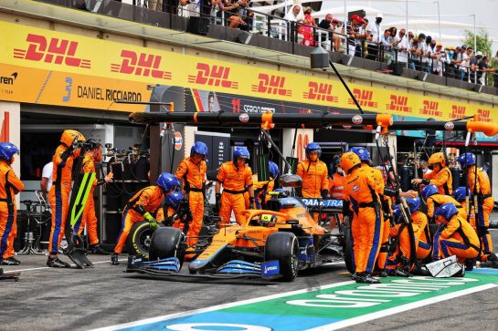 Lando Norris (GBR) McLaren MCL35M makes a pit stop. 20.06.2021. Formula 1 World Championship, Rd 7, French Grand Prix, Paul Ricard, France, Race Day. - www.xpbimages.com, EMail: requests@xpbimages.com © Copyright: Moy / XPB Images